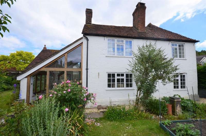 4 Bedrooms Detached House for sale in Huckers Lane, Selborne
