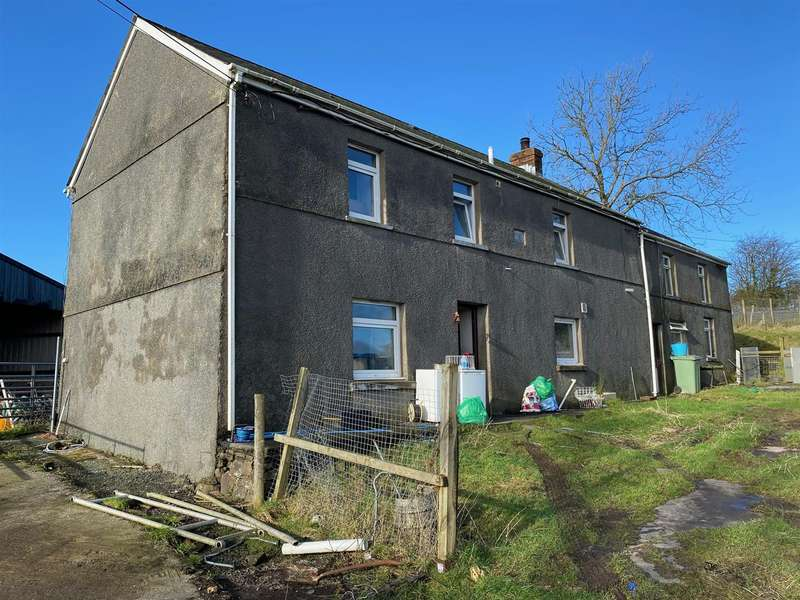 4 Bedrooms Property for sale in Foelgastell, Llanelli