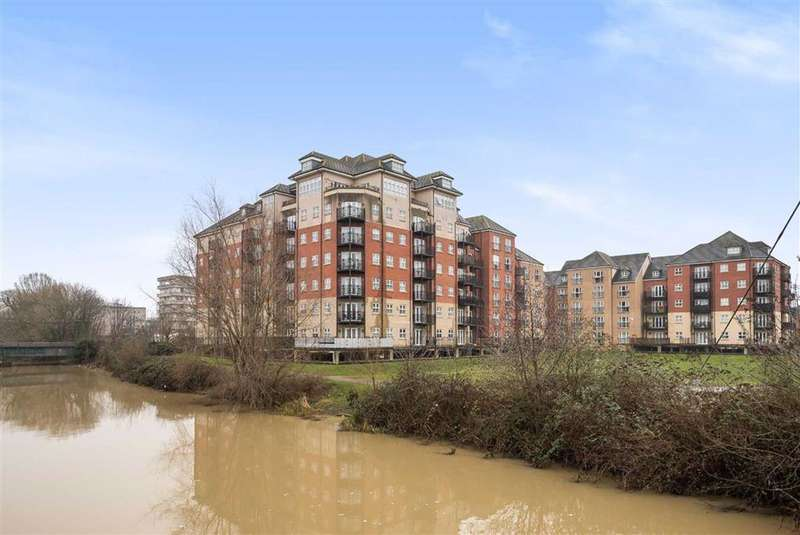 2 Bedrooms Flat for sale in Britannia House, Bedford