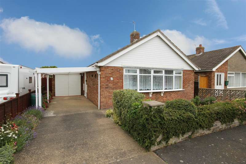 2 Bedrooms Detached Bungalow for sale in Lansdowne Drive, Sutton-On-Sea