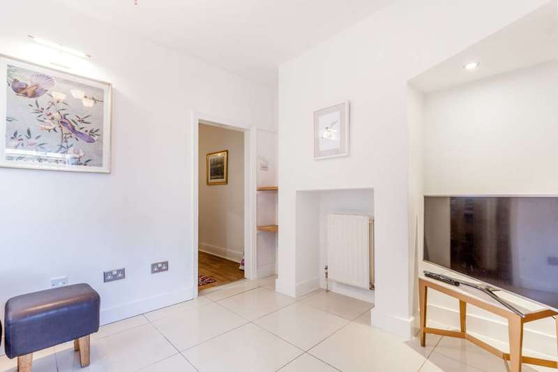 2 Bedrooms Flat for sale in Leverson Street, Streatham, SW16