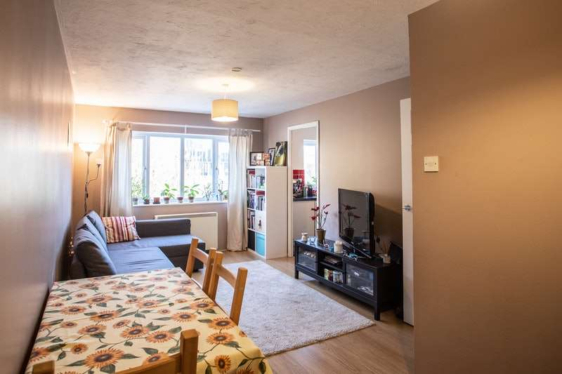1 Bedroom Flat for sale in Simmonds Close, Bracknell, Berkshire, RG42