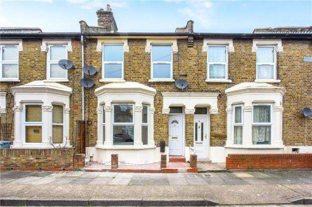 4 Bedrooms Terraced House for sale in Torrens Square, Stratford, London