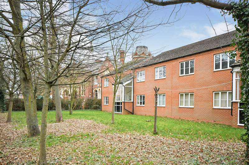 2 Bedrooms Apartment Flat for sale in Beech Court, Beech Street, Lincoln, Lincolnshire, LN5
