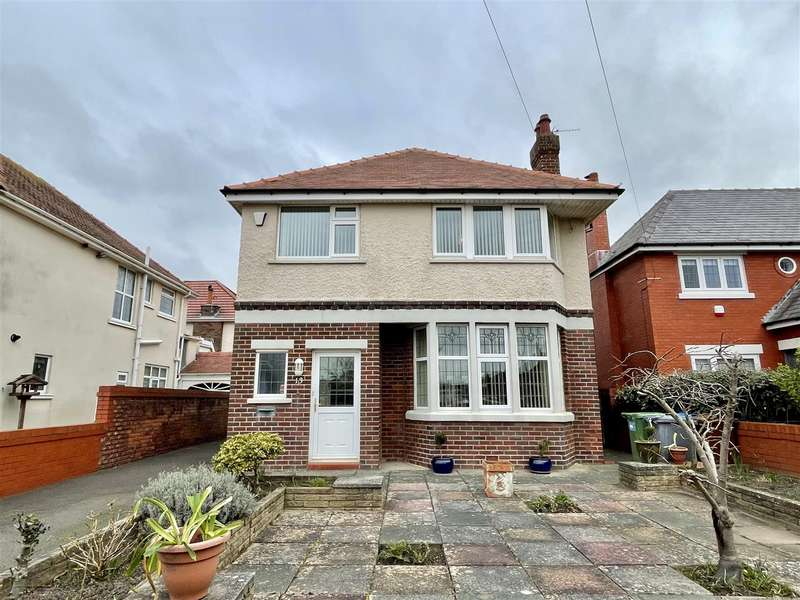 3 Bedrooms Detached House for sale in Newbury Road, Lytham St Annes