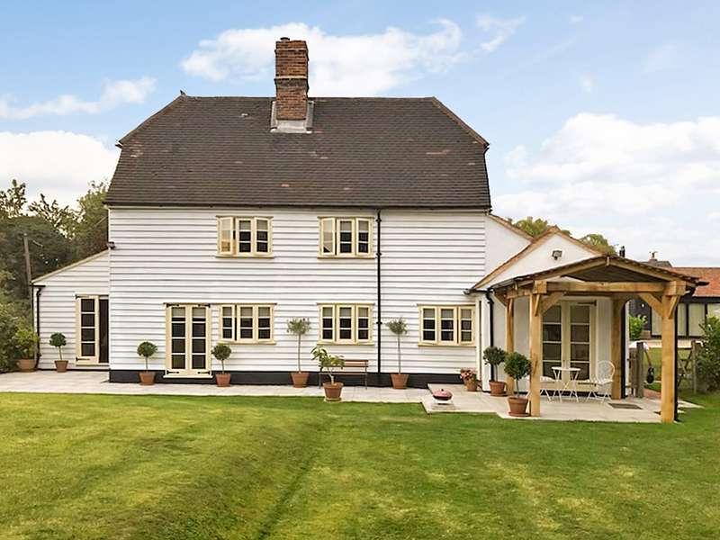 3 Bedrooms Detached House for sale in Tye Green, Elsenham, Bishop's Stortford, CM22