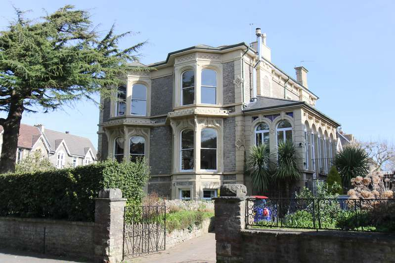 6 Bedrooms Property for sale in Hallam Road, Clevedon