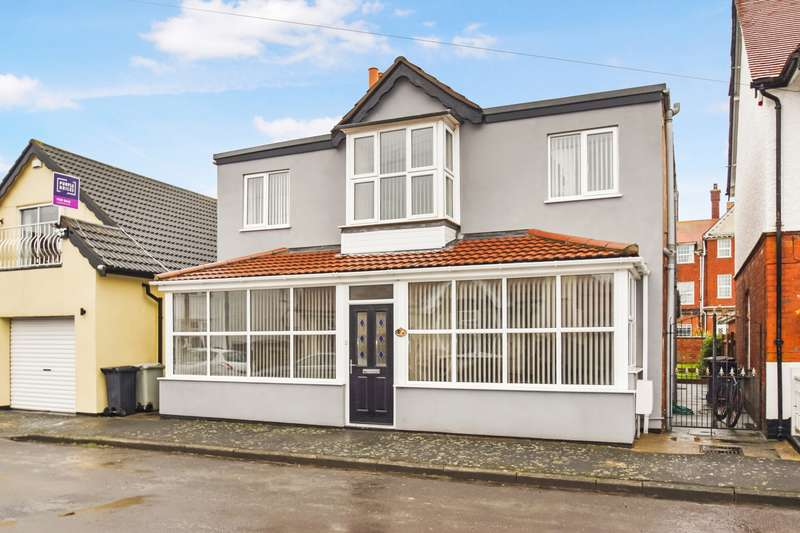 5 Bedrooms House for sale in Lifeboat Avenue, Skegness, PE25