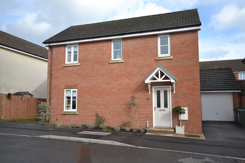 3 Bedrooms Detached House for sale in Cromwell Close, Newtown, Berkeley, GL13 9GA