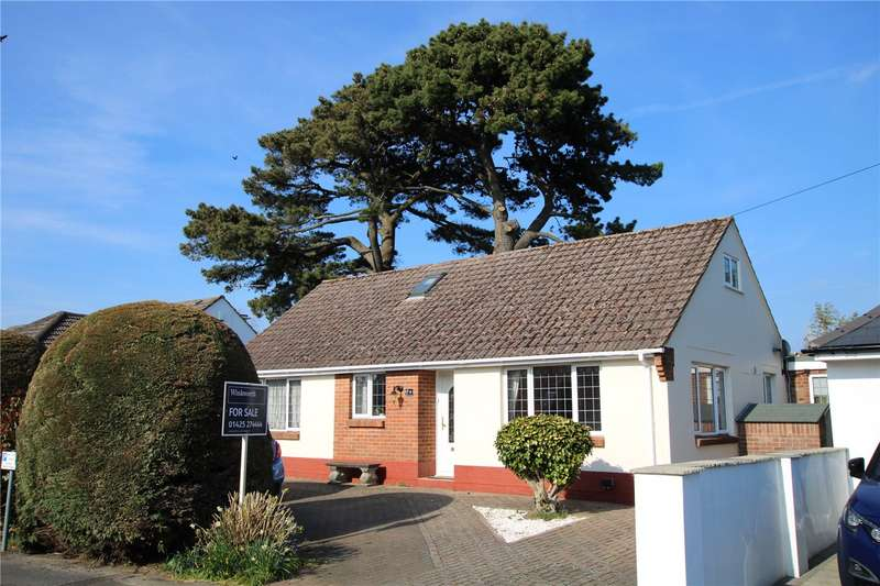 3 Bedrooms Detached Bungalow for sale in Pinehurst Avenue, Christchurch, BH23