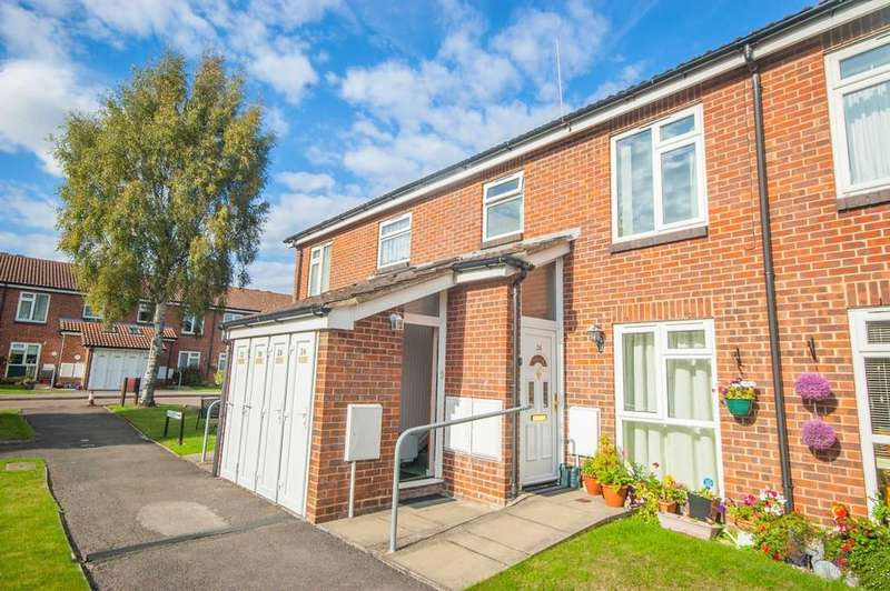 1 Bedroom Maisonette Flat for sale in Constable View, Springfield, Chelmsford, CM1