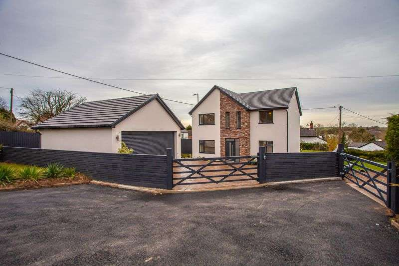 4 Bedrooms Property for sale in Pwllmeyric Close, Chepstow, Monmouthshire, NP16