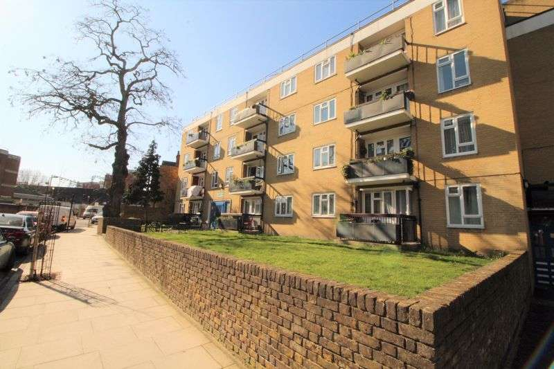 2 Bedrooms Property for sale in Marcon Court, Amhurst Road, Hackney, E8