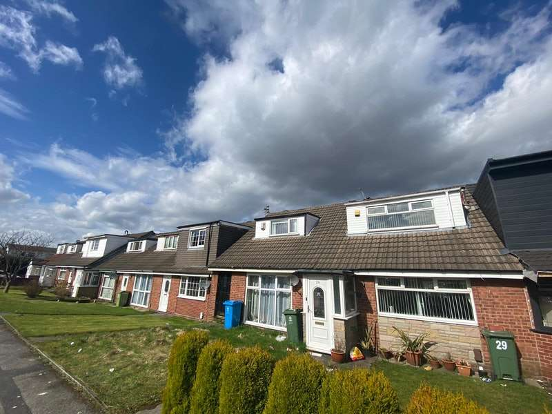 2 Bedrooms Terraced House for sale in Cranberry Street, Oldham, Greater Manchester, OL4