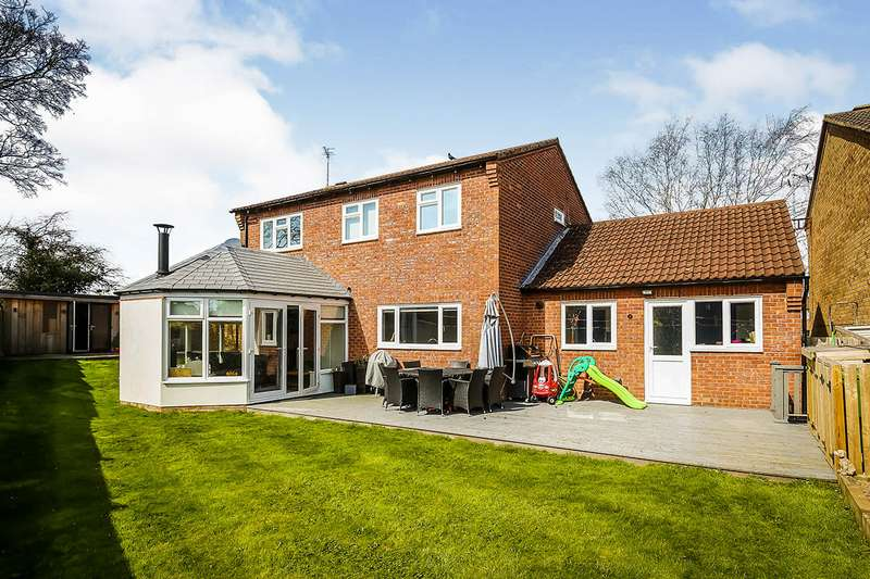 4 Bedrooms Detached House for sale in Broadlands Way, Oswestry, Shropshire, SY11