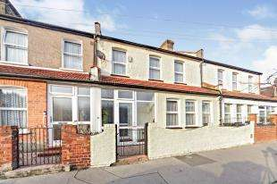 4 Bedrooms Terraced House for sale in Colliers Water Lane, Thornton Heath, Surrey, .
