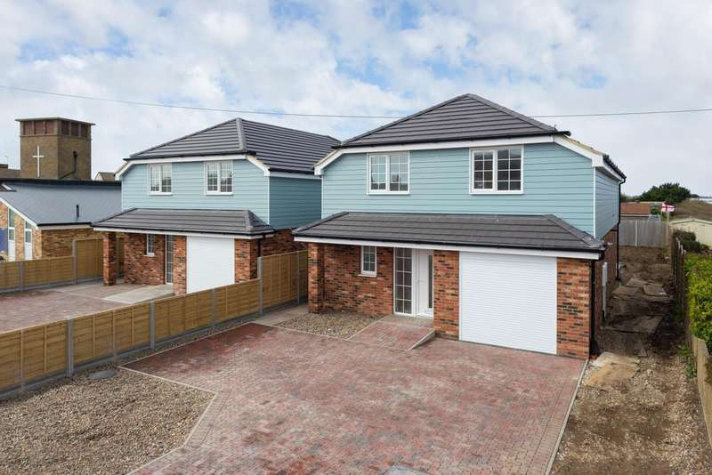 4 Bedrooms Detached House for sale in Roberts Road, Greatstone, TN28