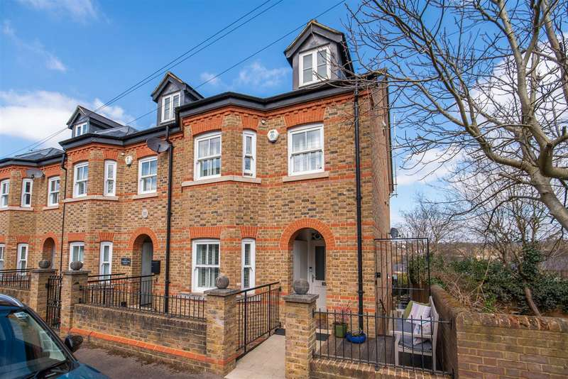 4 Bedrooms End Of Terrace House for sale in Torrington Road, Berkhamsted