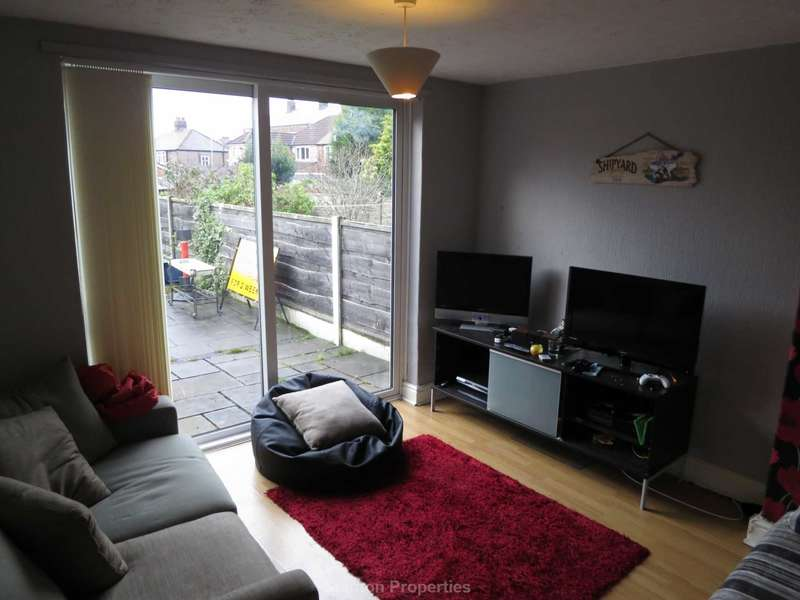 4 Bedrooms Semi Detached House for rent in Harcombe Road, Withington