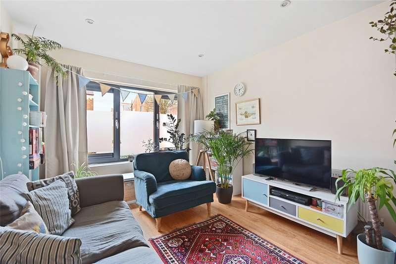 1 Bedroom Flat for rent in Vandervell Court, Larden Road, London, W3
