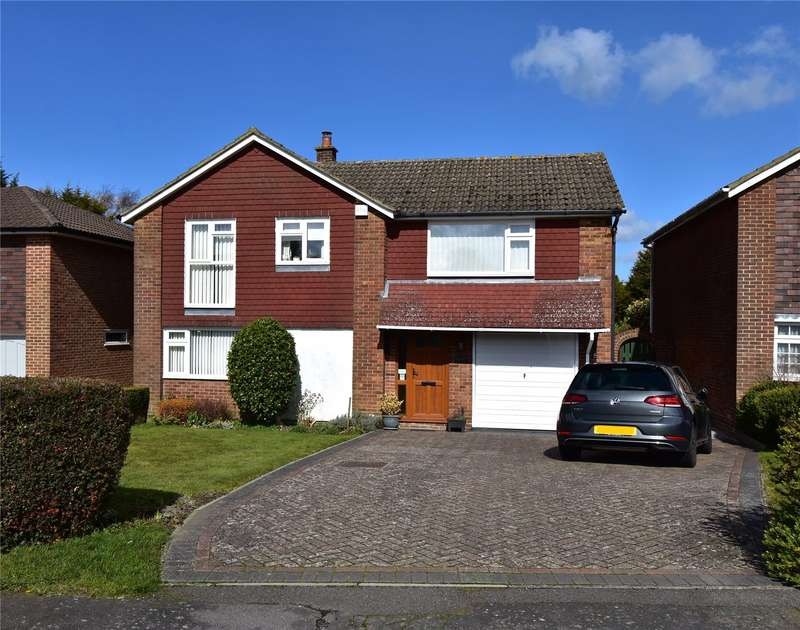 4 Bedrooms Detached House for sale in Pleasant View Road, Crowborough, TN6