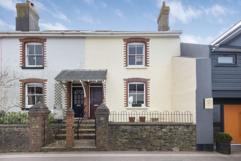 2 Bedrooms Terraced House for sale in Malborough