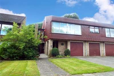 2 Bedrooms Flat for rent in Low Gosforth Court, Gosforth