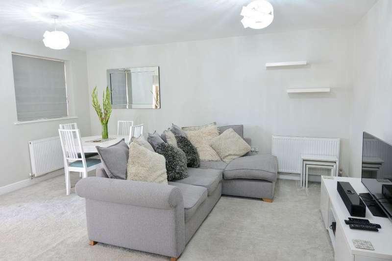 2 Bedrooms Apartment Flat for sale in Hibernia Court, North Star Boulevard , Greenhithe, Kent, DA9 9UJ