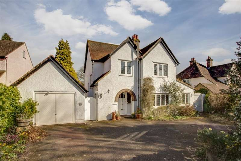 3 Bedrooms Detached House for sale in Parkfield Avenue, Amersham, Buckinghamshire, HP6 6BE