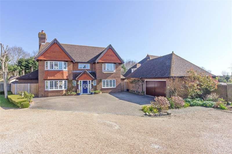 5 Bedrooms Detached House for sale in Doves Croft, Sittingbourne, Kent, ME9