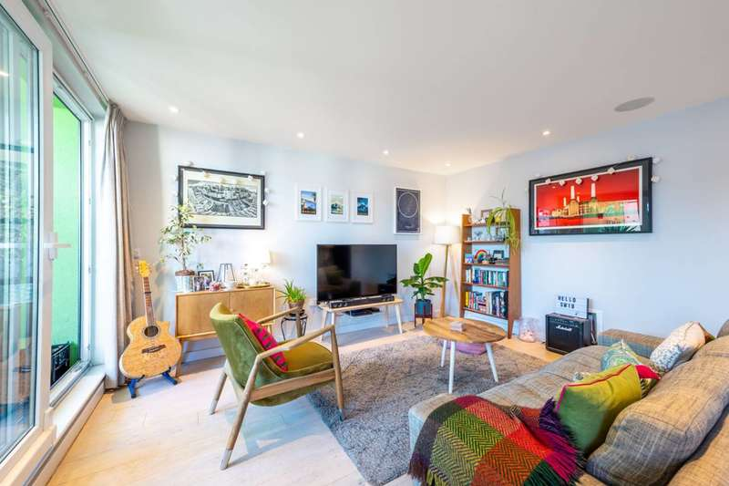2 Bedrooms Flat for sale in Haydon Park Road, London, SW19, Merton, SW19