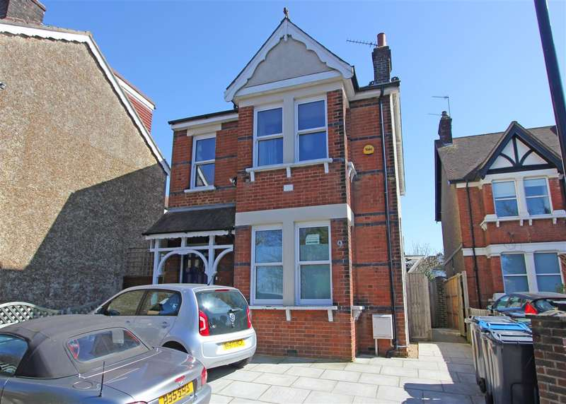 4 Bedrooms Detached House for sale in Carlton Road, South Croydon