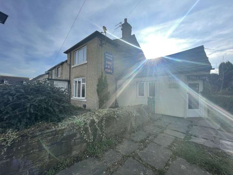 3 Bedrooms Semi Detached House for sale in Halifax Road, Liversedge, West Yorkshire, WF15
