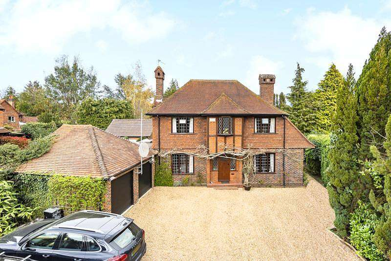 5 Bedrooms Detached House for sale in Kettlewell Hill, Horsell, GU21