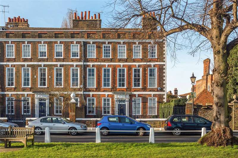 5 Bedrooms Mews House for sale in Maids of Honour Row, Richmond, TW9