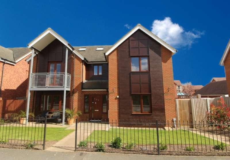 6 Bedrooms Detached House for sale in Milton Road, Broughton, Milton Keynes