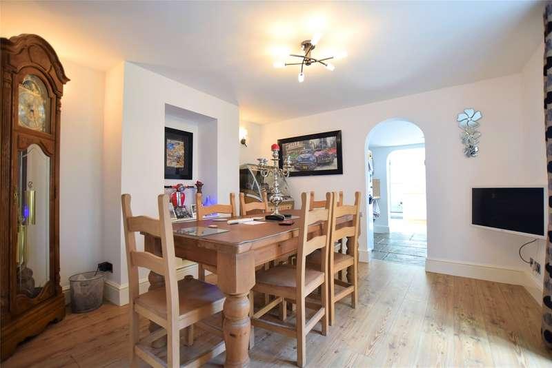 3 Bedrooms Detached House for sale in Falkner Street, Gloucester, GL1