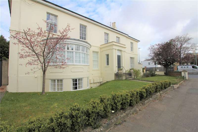 2 Bedrooms Flat for rent in Park Place, Cheltenham, GL50