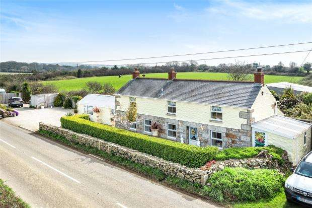 2 Bedrooms Detached House for sale in High Lanes Road, Praze, Camborne, Cornwall