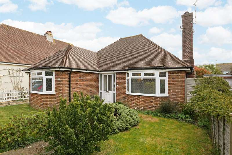 2 Bedrooms Detached Bungalow for sale in South Drive, Felpham
