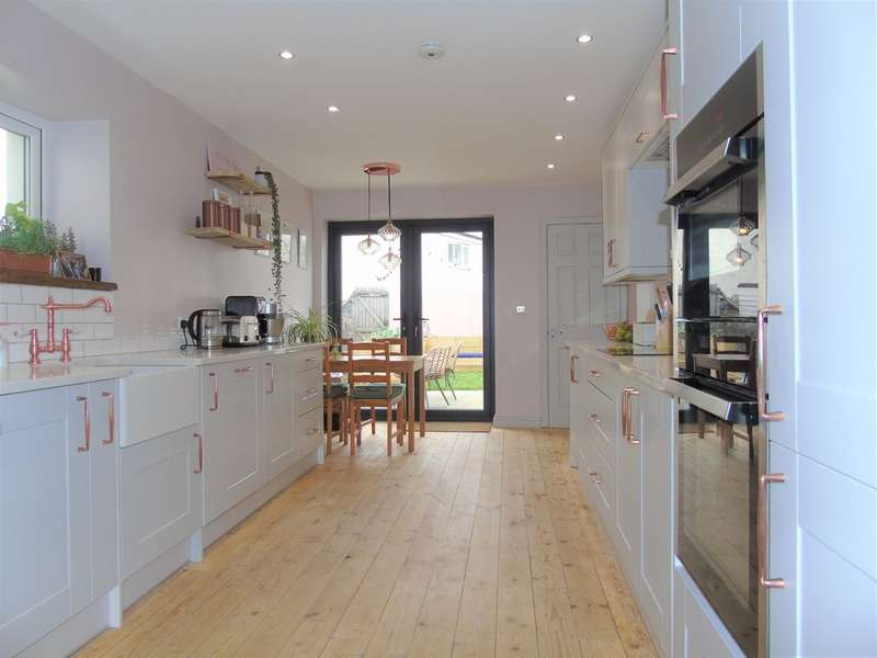 3 Bedrooms Terraced House for sale in Ivy Street, Penarth