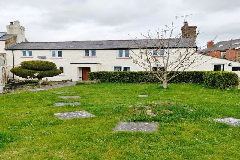 3 Bedrooms Semi Detached House for sale in Chapel Street, Acrefair, Wrexham, LL14