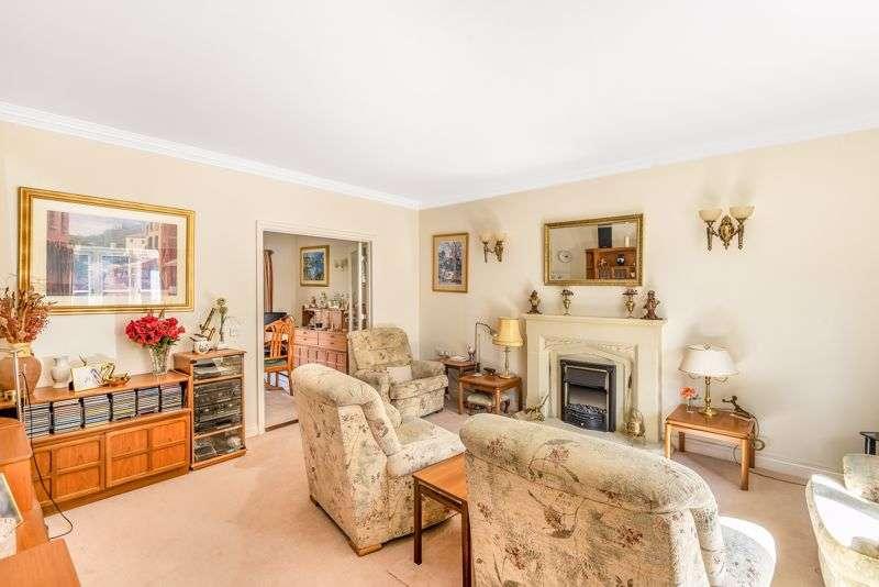 3 Bedrooms Property for sale in Badsworth Gardens, Newbury