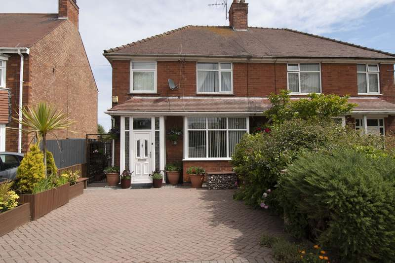 4 Bedrooms Semi Detached House for sale in Burgh Road, Skegness, PE25