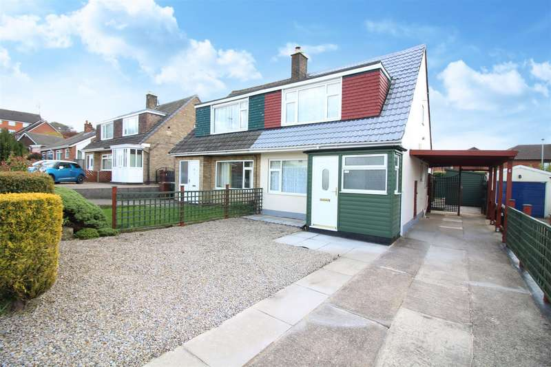 3 Bedrooms Semi Detached House for sale in Cliffe House Avenue, Garforth, Leeds