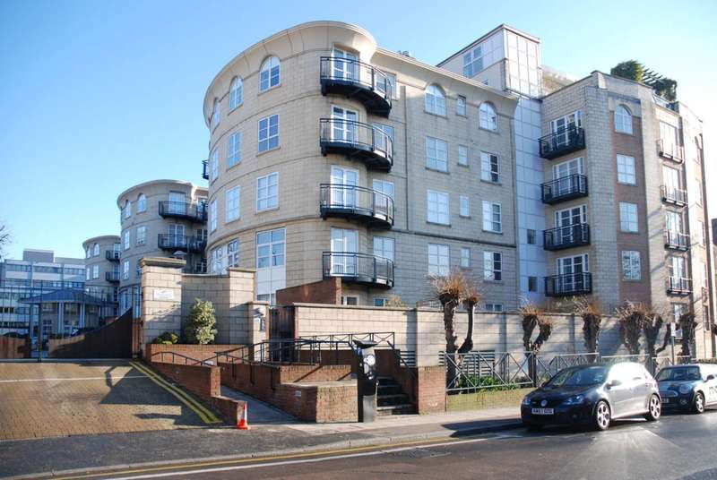 2 Bedrooms Flat for rent in Wimbledon Central, Wimbledon, SW19
