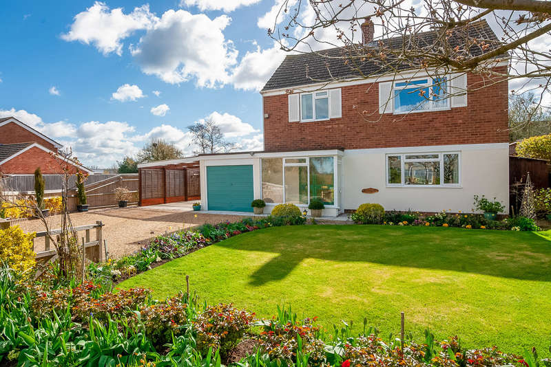 3 Bedrooms Detached House for sale in Whatcote Road, Oxhill