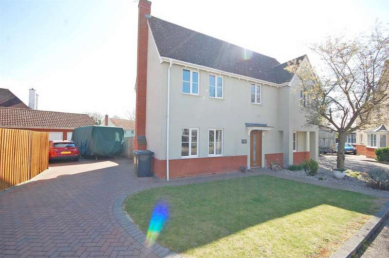 4 Bedrooms Detached House for sale in Custerson Drive, Black Notley, Braintree