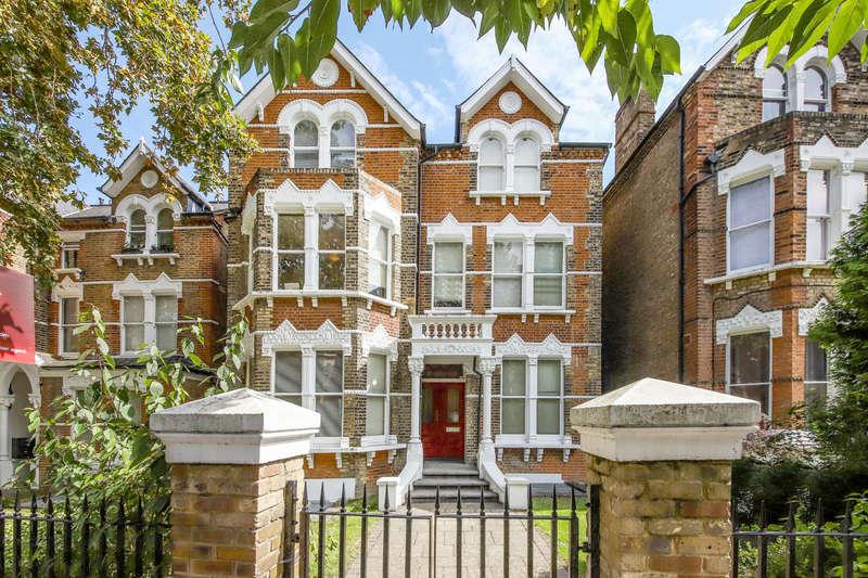 3 Bedrooms Flat for sale in Breakspears Road, London