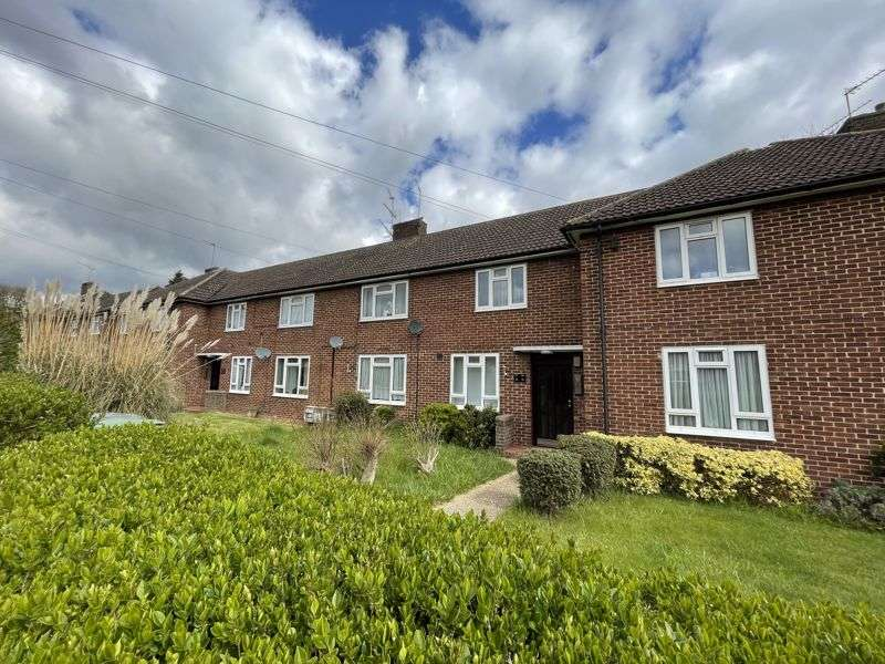 1 Bedroom Property for sale in Willingale Road, Loughton